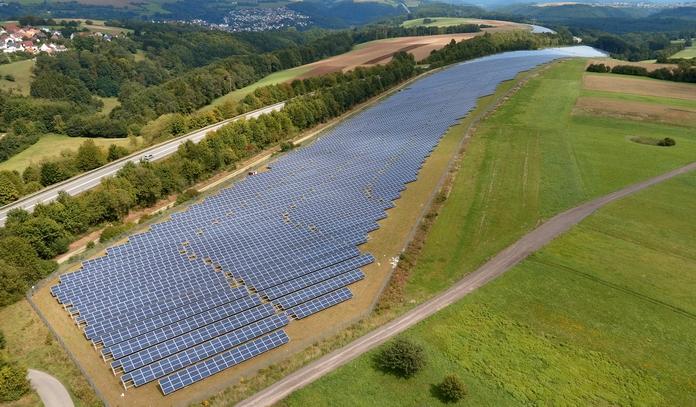 Mit einer Gesamtleistung von 14 MegawattPeak die bislang größte PV-Anlage im Gemeinschaftsportfolio der TEE.